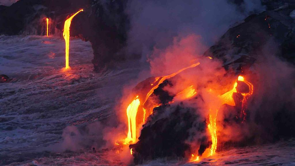 lava flow on the big island of hawaii